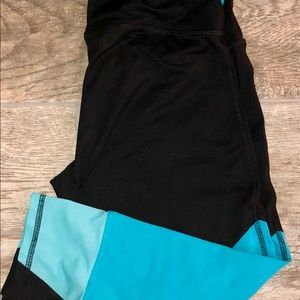 Workout capris black with blue detail